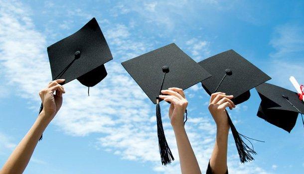 Model Fake Regular College Diplomas to get fake validations